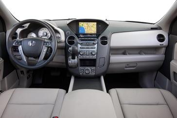 2013 Honda Pilot Features Standard Rearview Camera Bluetooth Usb Integration And Dramatic New Exterior Color