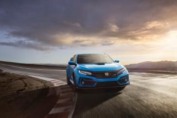 2020 honda civic type r arriving soon with upgraded performance honda sensing and new logr datalogging smartphone app 2020 honda civic type r arriving soon